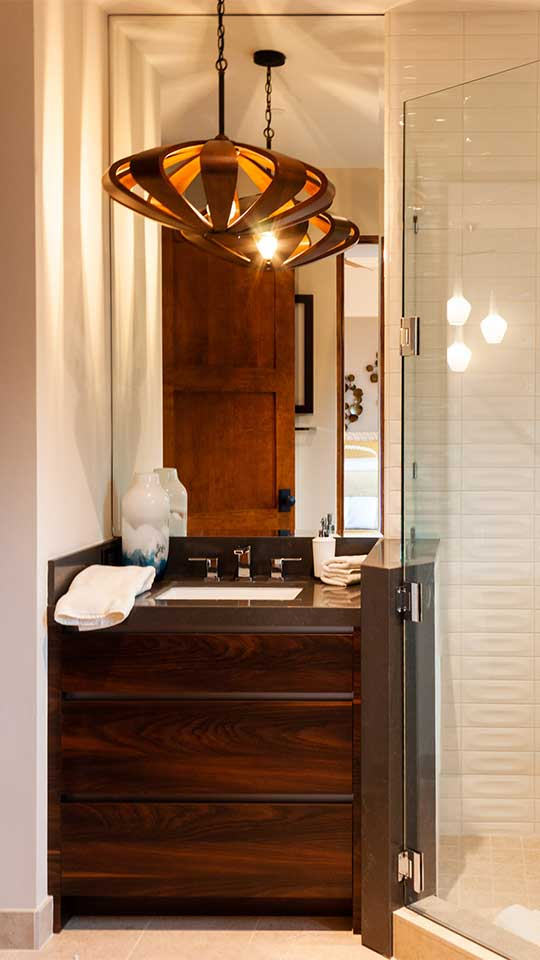 modern_cleaf_&_aluminum_bathroom_cabinets_in_del_mar