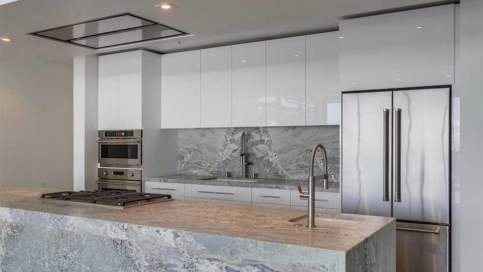 modern_high_gloss_white_kitchen_cabinets_18_-_960x540