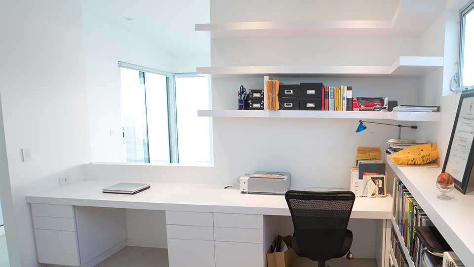 modern_high_gloss_white_office_cabinets_in_del_mar_