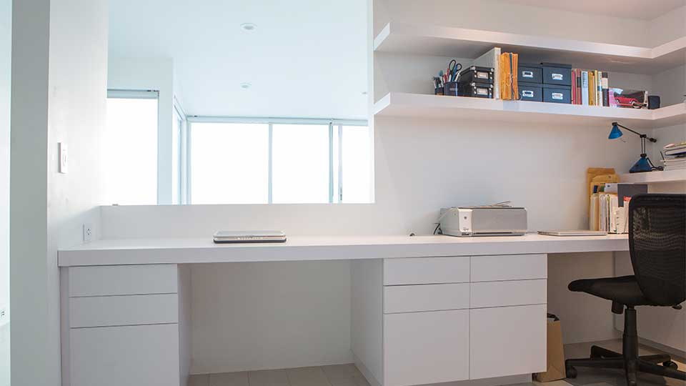modern_high_gloss_white_office_cabinets_in_del_mar