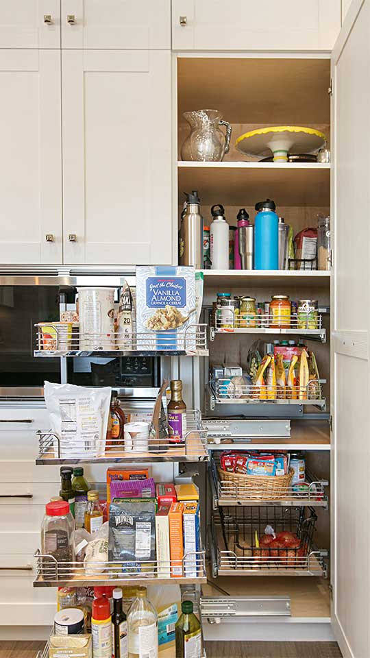 Modern_Farmhouse_Cabinets_-_Kitchen_Tall_Pantry_CORNER_Storage