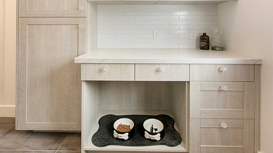 Modern_Farmhouse_Cabinets_-_Laundry_Room_with_Dog_Area