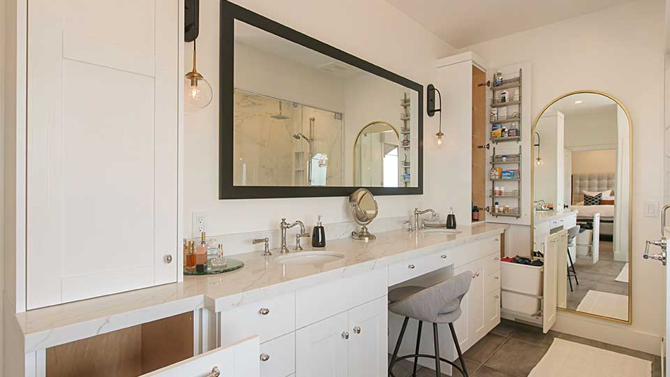 Modern_Farmhouse_Cabinets_-_Master_Bathroom