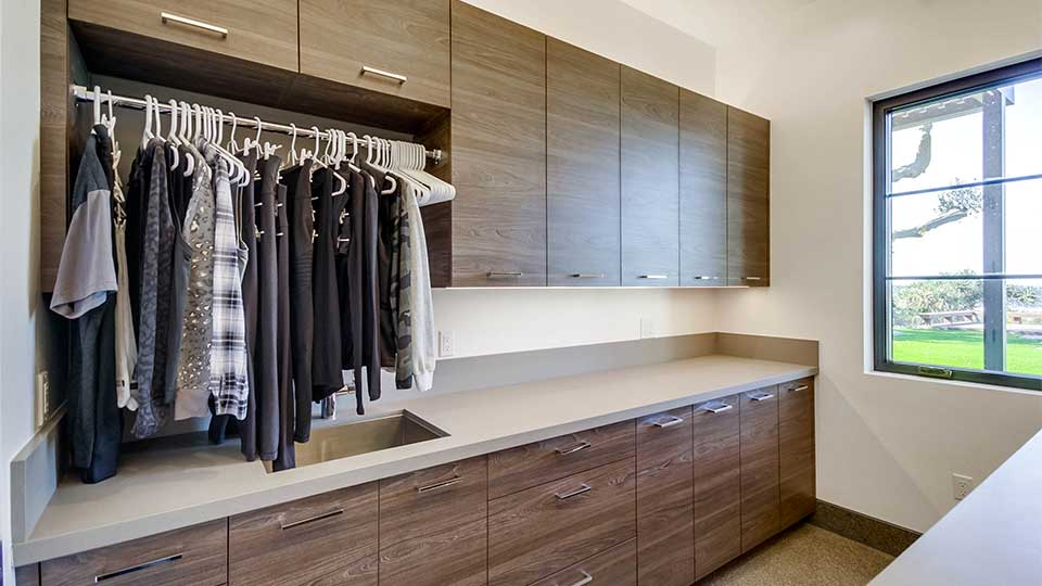 laundry_room_cabinets